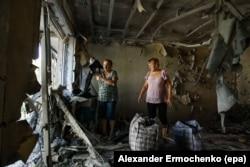 Квартира в станице Ясиноватая, разрушенная в результате боя. Весна 2016 года