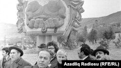 Qüdrətli neftçi əlləri» abidəsinin açılışı - 1979