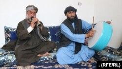 دو نوازنده سازهای دهل و سرنای در هرات