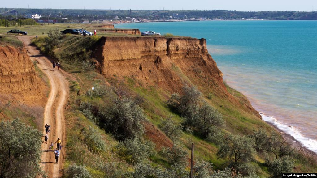 Пейзаж на узбережжі Чорного моря в селі Берегове Бахчисарайського району