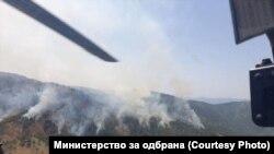 Армиски хеликоптери учествуваат во гаснење на пожарите