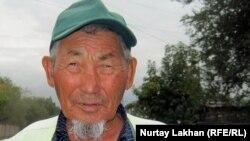 Турсын Шардарбеков, сторож-парковщик. Алматы, 31 августа 2011 года.