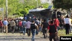 صحنهای از انفجار بمب در دیاربکر ترکیه در روز سهشنبه