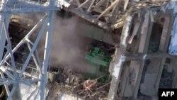 Повреждённый реакторный корпус японской АЭС