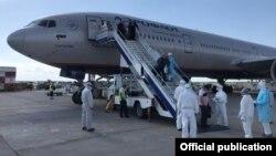 Прибытие граждан КР чартерным рейсом в аэропорт «Манас». Архивное фото.