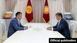 Сооронбай Жээнбеков менен Садыр Жапаровдун жолугушуусу. 2020-жылдын 13-октябры.