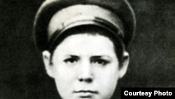 Восьмилетний Сережа Костриков, мальчик из Уржума. Фото 1893 года.