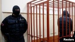 На Северном Кавказе, смерть от пыток полицейских – не редкость. Добиться справедливости удается лишь тогда, когда родственники убитых выходят на улицу, устраивают акции протеста и дело получает громкий резонанс
