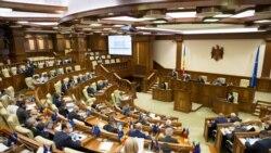 """""""Traseismul"""" politic condamnat până și de """"traseiști"""" în Parlamentul de la Chișinău"""