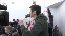 Білоруських активістів, які прийшли підтримати художників графіті, побили й оштрафували (відео)