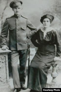 Дедушка и бабушка Валерии Соловьевой