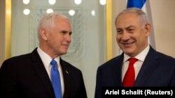 Майк Пэнс (зьлева) і Біньямін Нетаньягу.