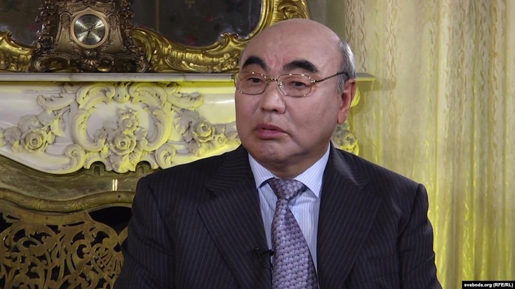 Аскар Акаев сожалеет, что в 2005 году не передал власть законным путем