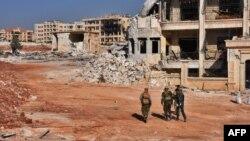 Алеппоның батысында жүрген Сирияның үкімет әскері. 10 қараша 2016 жыл.