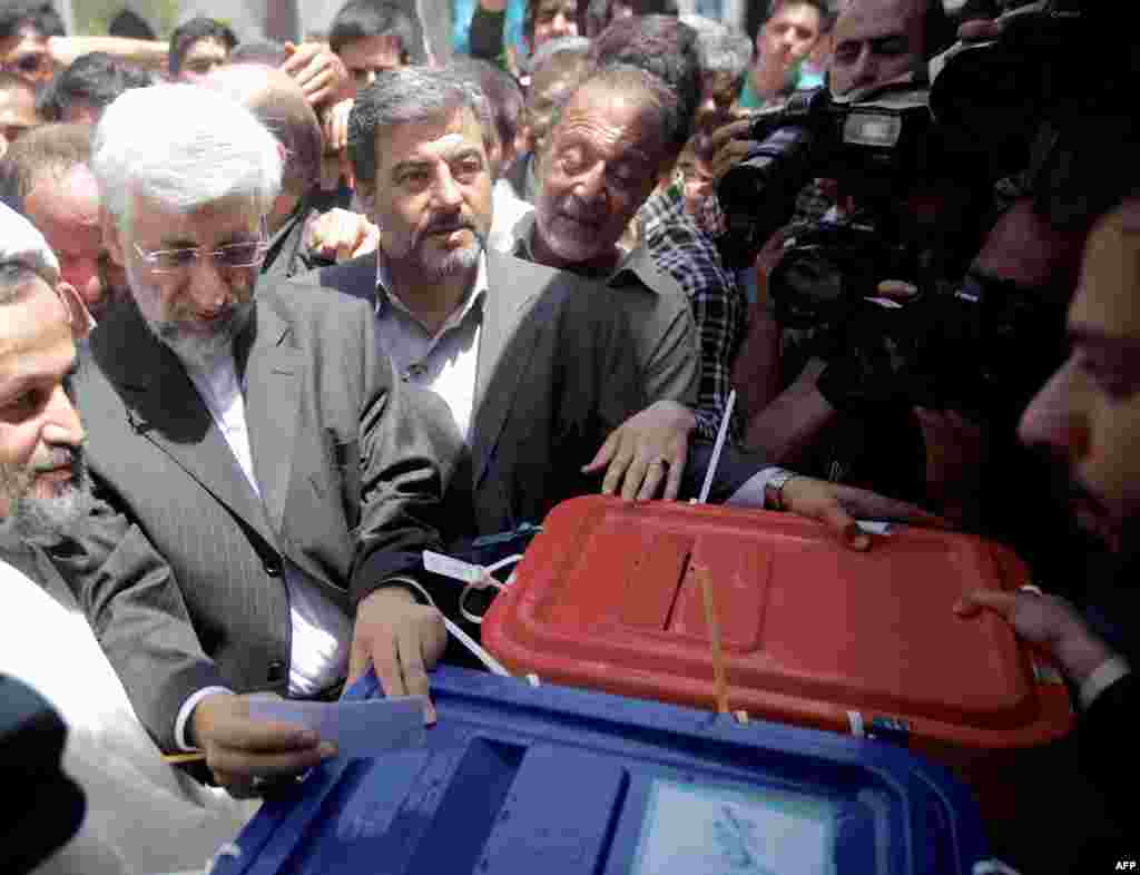 Said Jalili casts his ballot at a polling station in southern Tehran.
