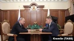 Президент Росії Володимир Путін і голова правління ПАТ «Газпром» Олексій Міллер (зліва направо) під час зустрічі у Кремлі в Москві, 9 вересня 2019 року