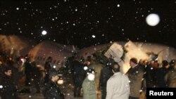 بر اساس گزارش های منتشره، بدی هوا و بارش سنگين برف سبب بروز اين سانحه شده است.