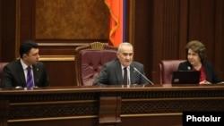 Председатель Национального Собрания Армении и его заместители во время заседания парламента (архив)