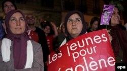 Избиратели, недовольные поражением Сеголен Руаяль, не стесняясь, называют Саркози «фашистом»