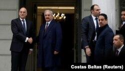 Ministar spoljnih poslova Grčke Nikos Dendias sa Halifom Haftarom u Atini