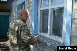 Геннадій Москаль у селі Троїцькому (біля Дебальцева), 31 травня 2015 року (фото з facebook Геннадія Москаля)