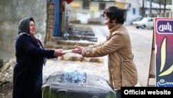 İranın kitab jurnalistləri kəndlərə kitab paylayırlar