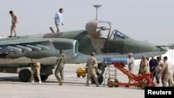 Штурмовики Су-25 урядових сил Іраку готуються до удару по ісламістах на базі під Багдадом, 26 березня 2015 року