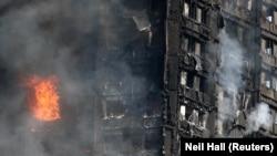 Blocul distrus de incendiu din Kensington la Londra