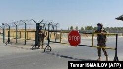 Мост Дружбы, соединяющей афганский Хайратон и Термез, 15 августа 2021 года.