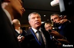 """Глава """"Роснефти"""" Игорь Сечин считается одним из людей, приближенных к Владимиру Путину"""
