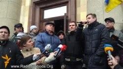 Євромайдан вимагає порушити справу проти Кернеса і звільнити Добкіна