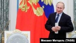 Владимир Путин на заседании Совета при президенте РФ по русскому языку в Кремле, 5 ноября 2019 года