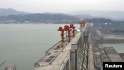 """ГЭС """"Три ущелья"""" на реке Янцзы"""