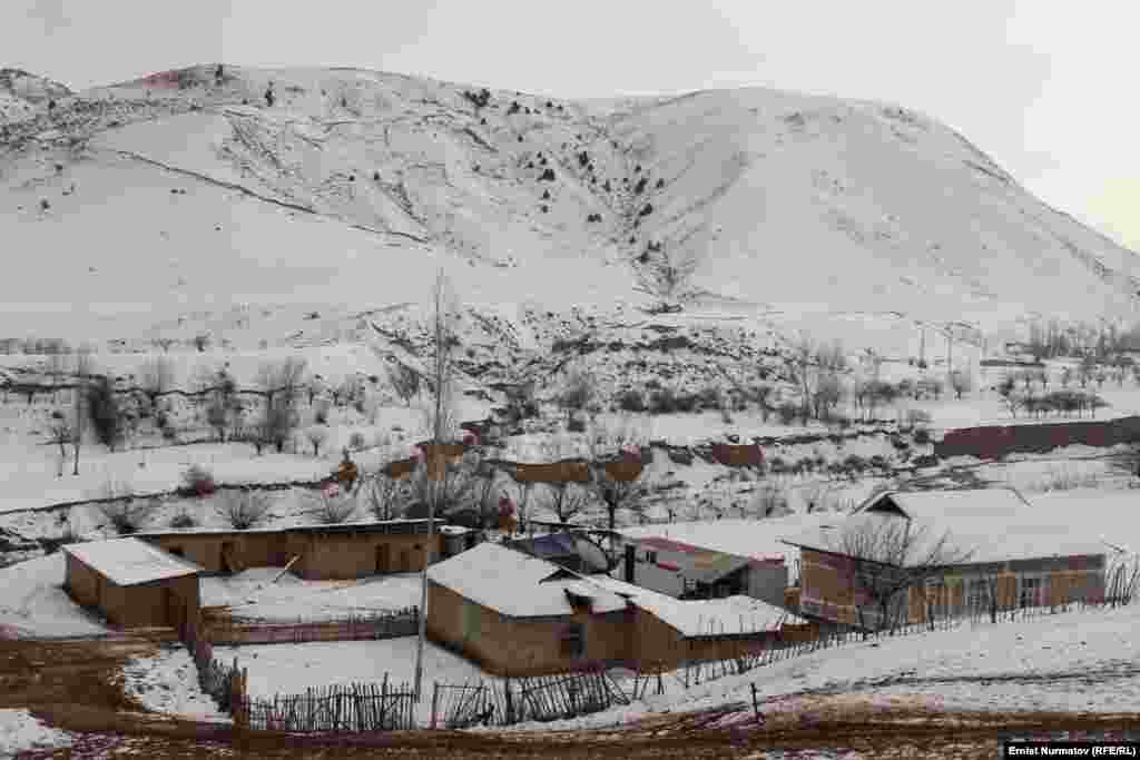 Быйылкы катуу зилзаланын очогуна жакын жайгашкан Чайчы айылы Кызыл-Суу айыл аймагына карайт. Бул аймакта жалпы 177 үй жараксыз болуп, анын он бири урап калган.
