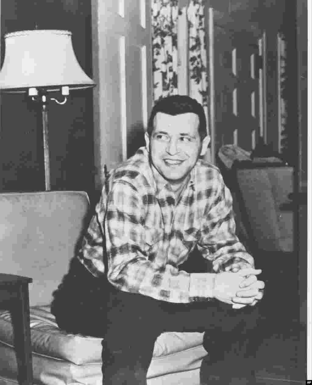 Усміхнений Пауерс у Вашингтоні, округ Колумбія, після повернення до США, 11 лютого 1962 року