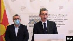 Заменик директорот на Државниот завод за статистика Илми Селами и директорот Апостол Симовски