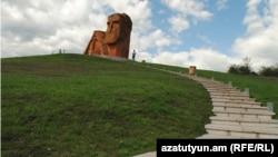 Nagorno Karabakh -- A famous monument near Stepanakert, 25 September 2013