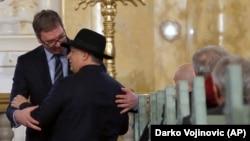Orbán Viktor magyar és Alekszander Vucsics szerb miniszterelnök beszélgetnek a szabadkai zsinagógában 2018. március 26-án.