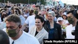 Сьвятлана Ціханоўская і Марыя Калесьнікава на пікеце ў Барысаве 23 ліпеня 2020 году
