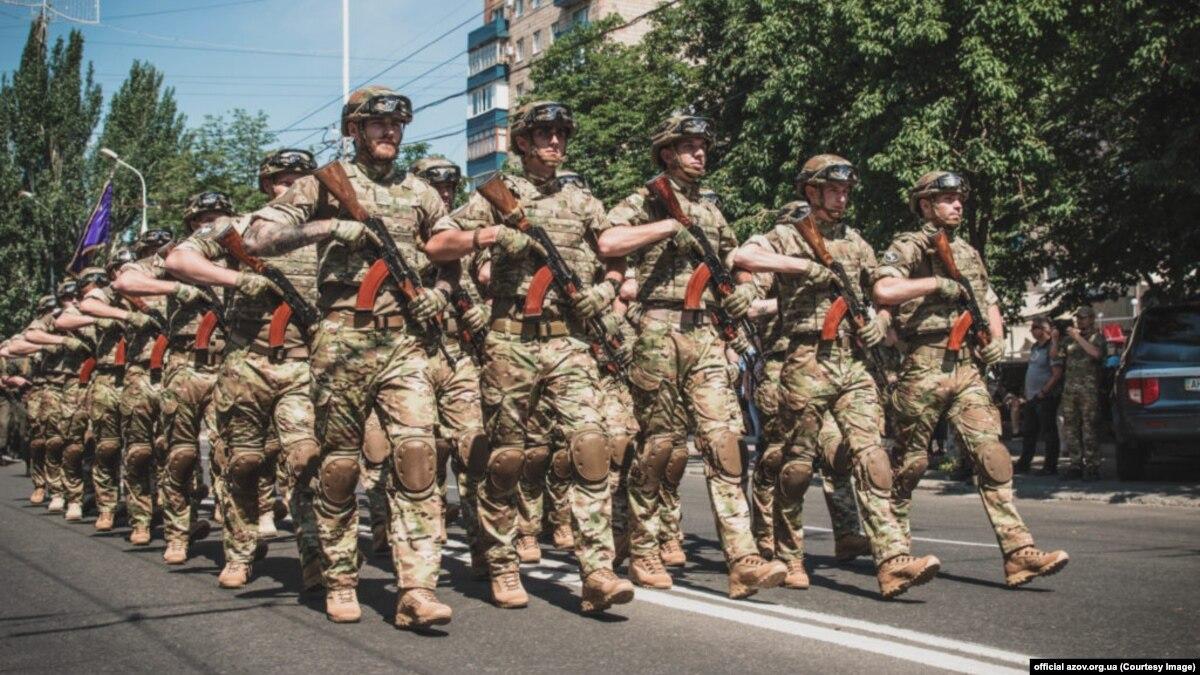 «Информационная атака»: полк «Азов» прокомментировал намерение признать его террористической организацией в США