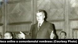 27.XI.1978: Ceaușescu le prezintă comandanților din Armată și Ministerul de Interne viziunea lui de politică internă și internațională înaintea unei reuniuni a țărilor participante la Tratatul de la Varșovia. Sursa: Fototeca online a comunismului românesc; cota: 358/1978