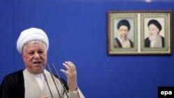 آقای هاشمی رفسنجانی، نارضایتی معلمان را خطرناک توصیف کرد