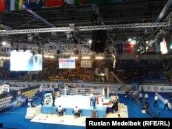На чемпионате мира по боксу в Казахстане. Алматы, 14 октября 2013 года.