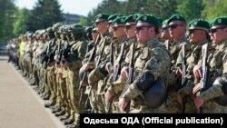 Стройовий огляд правоохоронців на Куликовому полі, Одеса, 28 квітня 2018 року