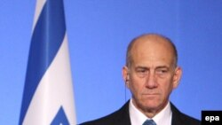"Olmert wants to ""find out what Russia is planning to sell,"" and could try to block the deal."