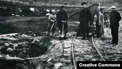Заключенные лагеря на Соловецких островах, 1925 год