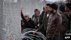 Izbeglice u Idomeniju na grčko - makedonskoj granici