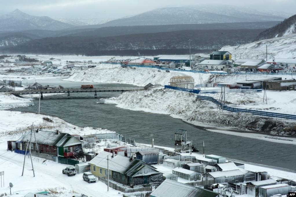 Dimri në ishullin Iturup. Sot, rreth 19,000 rusë i popullojnë ishujt e kontestuar.