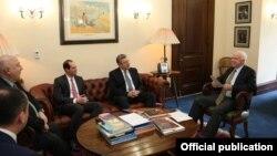 Глава правительства «Грузинской мечты» за первые два дня встретился с руководителями Всемирного банка и МВФ, американскими сенаторами и экспертами США