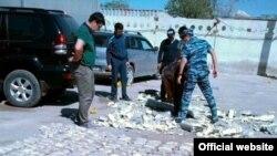 Фотография предоставлена комитетом государственных доходов, утверждающеим о задержании крупной партии героина. Актау, 19 сентября 2015 года.